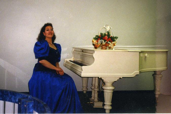 Картинки по запросу уроки академического вокала Валерия Аркадьевна